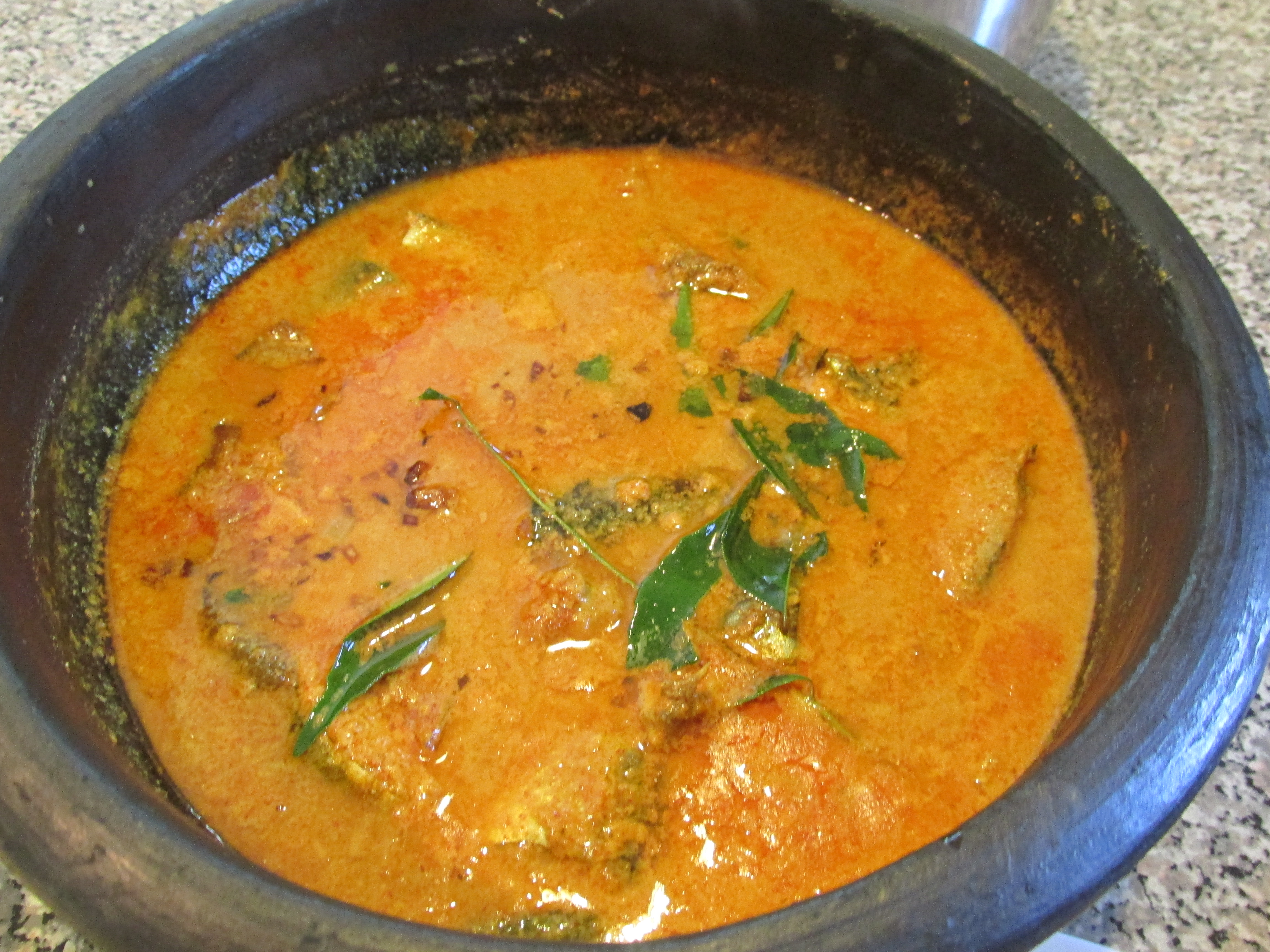 coconut indian fish coconut curry head goan fish curry indian fish ...